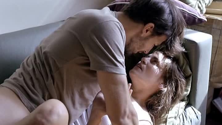 Lucía y Marcelo deciden comprarse un piso y esa misma mañana van a cerrar el trato.
