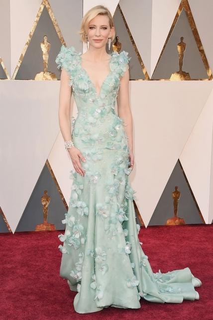 Cate Blanchett, original y etérea estaba espectacular en su Armani Privé.