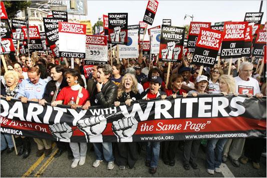 Manifestación de guionistas durante la huelga de 2007.